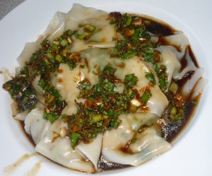 Wontons with dressing.